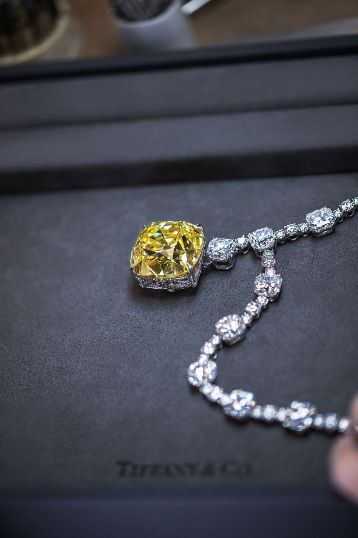Gaga over the Tiffany Diamond