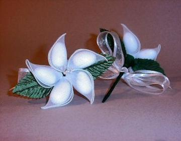 Jordan Almond Flower White with green stem