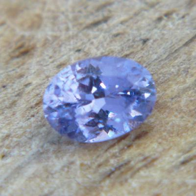 mild blue spinel free of treatments, no window, no inclusions 3*NOS