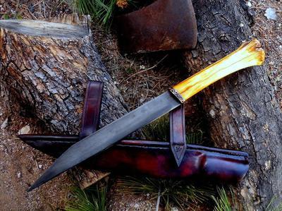 Custom handmade knives, tomahawks, edged weapons, war clubs, powder