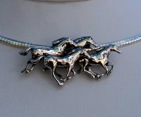 running horses necklace