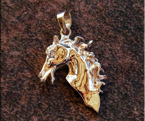 14K gold  VS diamond Horse head pendant