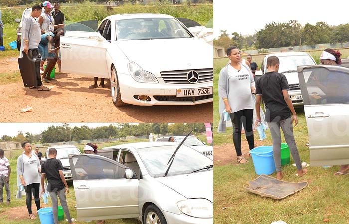 Zuena and daughter at the Kayla car wash