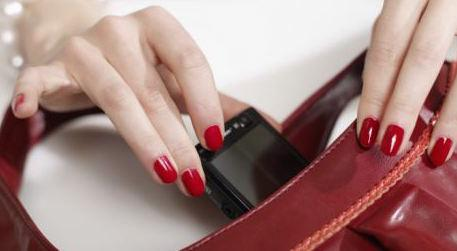 A Handbag Hook, the Stylish Accessory that Keeps You and Your Family Safe from Germs