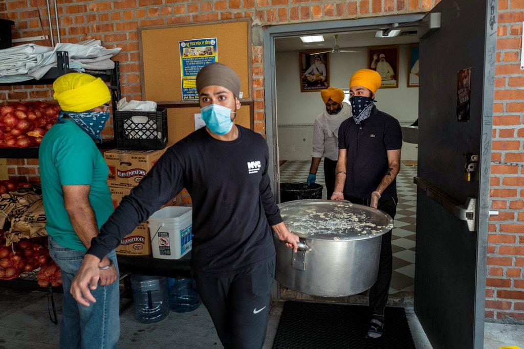 How to Feed Crowds in a Protest or Pandemic in America? The Sikhs Know