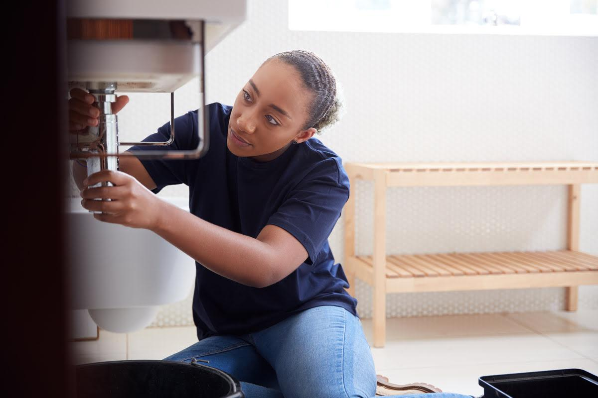 4 Plumbing Tips For a Stress-Free Summer