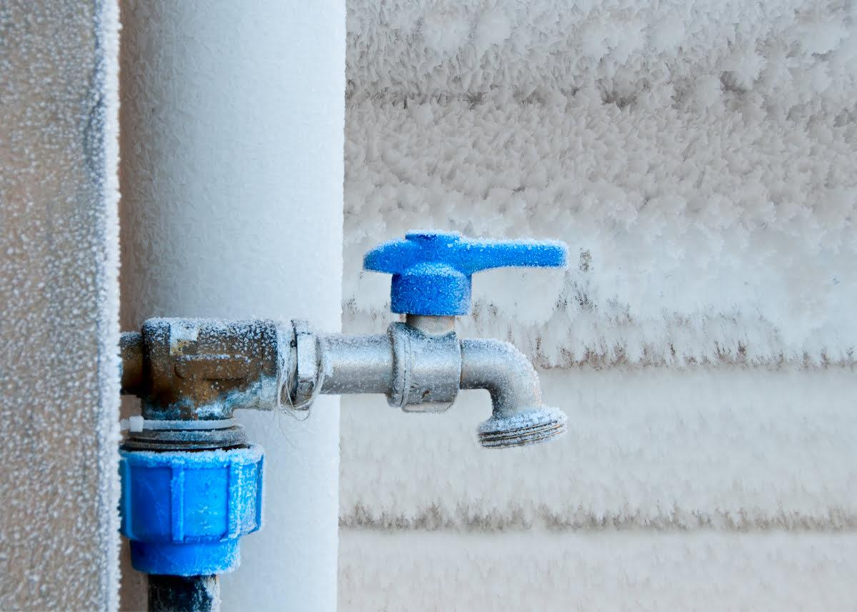 How to Prepare Your Home's Plumbing For the Winter Season