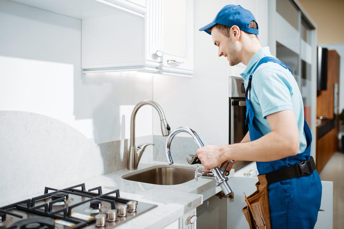 Signs You Need to Replace Your Kitchen Faucet