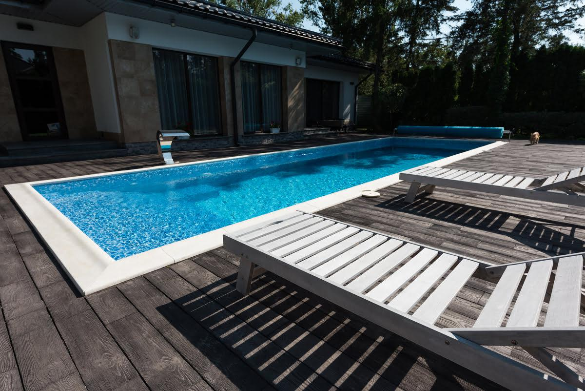 What Kind of Swimming Pool Should You Install?