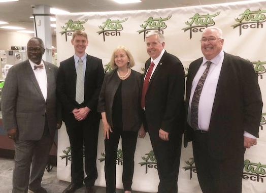 Governor Parson, Mayor James and May Krewson Visit ArtsTech