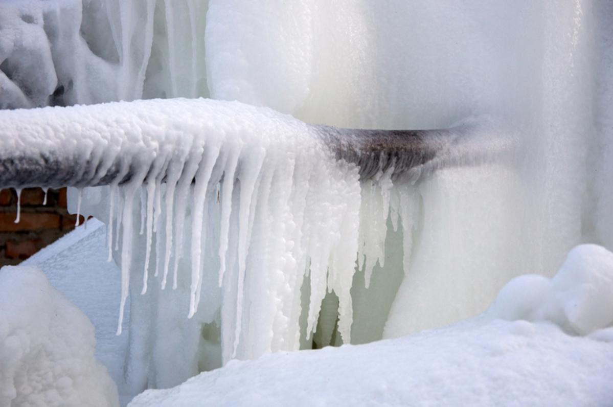How to Avoid Frozen Pipes with Insulation