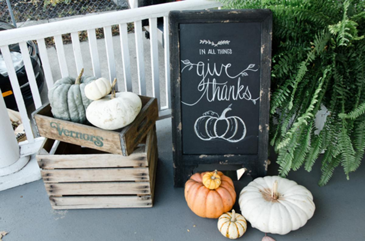 Stunning Autumn Outdoor Decorations For All To Enjoy!