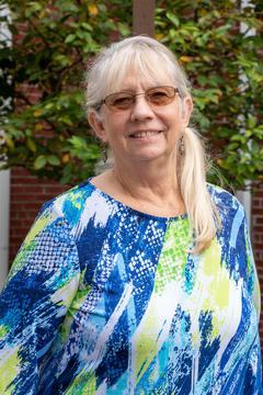 Administrative Assistant - Leslie Volpe